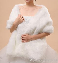Formal Wear Women, Wedding Jacket, Bridal Gowns, Faux Fur, Fur Coat, Lady, How To Wear, Jackets, Fashion