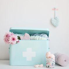 Niet alleen handig om je medicijnen in te bewaren maar ook voor je andere benodigheden. #hema #badkamer #opbergen