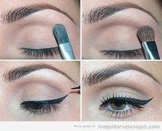 Antes de pintaros la línea del ojo con el perfilador negro, no os olvidéis de maquillaros la base con un color neutro y aplicar una sombra más oscura por los contornos del ojo. Gracias a este tutorial paso a paso será más fácil aprender a hacerlo. Lo más complicado es dibujar el eyeline, pero eso es cuestión de tiempo y de práctica