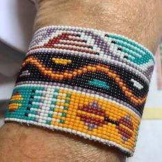 Clutch En Crochet, Crochet Pouch, Bead Crochet, Loom Bracelet Patterns, Weaving Patterns, Jewelry Patterns, Nylons, Beaded Jewelry, Beaded Bracelets
