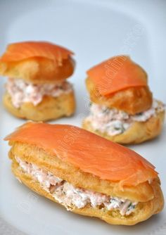 Eclair salé au saumon fumé I hope you had a nice Christmas Eve, and that you were spoiled :-] I'm going back here to publish this light smoked salmon salad recipe because I see it very well on the buffet the next eve. Rather than lightning, if … Brunch Appetizers, Brunch Recipes, Appetizer Recipes, Breakfast Recipes, Quiche Recipes, Pasta Recipes, Smoked Salmon Salad, Salmon Salad Recipes, Eclairs