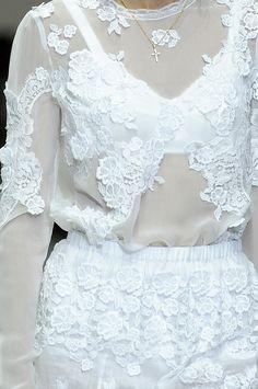 Dolce & Gabbana spring 2011 rtw details