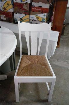 4 oude stoelen