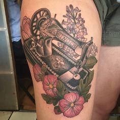 Tatuagens para quem ama moda - Linda e Graciosa