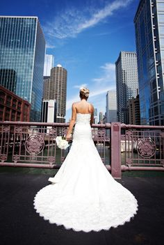I am most definitely doing this when I get married. Chiche as it is, #Chicago is my favorite city in the whole world.