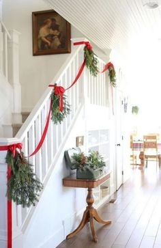 35 Amazing Christmas Staircase With Banister Ornaments staircase ornaments christmas banister amazing Christmas Ribbon, Christmas Holidays, Christmas Wreaths, Christmas Music, Christmas Movies, Farmhouse Christmas Decor, Holiday Decor, Christmas Stairs Decorations, Decorating Banisters For Christmas