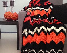 Crochet Afghans Patterns Halloween blanket - Halloween decor creepy orange and black chevron crochet afghan throw - Chevron Crochet, Crochet Fall, Crochet Circles, Holiday Crochet, Diy Crochet, Crochet Crafts, Yarn Crafts, Crochet Projects, Crochet Afghans