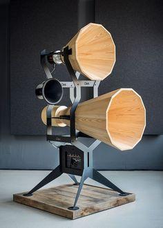 OMA audio looks back at gramophone design for imperia horn series Elektroniken Audio Design gramophone Horn imperia OMA series Wooden Speakers, Horn Speakers, Diy Speakers, Wireless Speakers, Stereo Speakers, Audiophile Speakers, Hifi Audio, Speaker Amplifier, Speaker Box Design