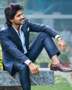 Allu Arjun (With images) Teenage Girl Photography, Photography Poses For Men, Actor Picture, Actor Photo, Allu Arjun Hairstyle, New Photos Hd, Dj Movie, Movie Photo, Allu Arjun Wallpapers