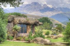 Inkunzi cave in the Drakensberg; Steve Bull, Sa Tourism, Kwazulu Natal, We Fall In Love, Places Of Interest, Local Artists, Countries Of The World, Us Travel, South Africa