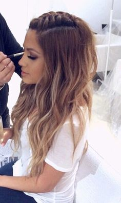 wanna give your hair a new look ? Braided hairstyles is a good choice for you. Here you will find some super sexy Braided hairstyles, Find the best one for you, Cool Hairstyles For Girls, Pretty Hairstyles, Braided Hairstyles, J Lo Hairstyles, Rocker Hairstyles, French Plait Hairstyles, Latina Hairstyles, Concert Hairstyles, Festival Hairstyles