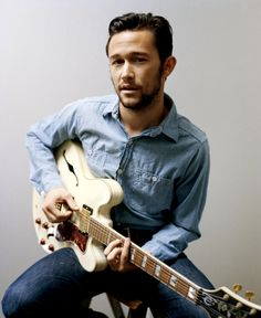 I don't know what it is about JGL, but lately... I'm like ohh yeahhhh...