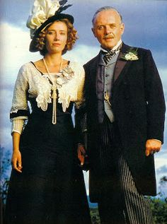 Howards End - 1992 - Emma Thompson as Margaret Schlegel and Anthony Hopkins as Henry Wilcox - Edwardian period film Emma Thompson, Hannibal Lecter, Howard End, Princess Katherine, Sir Anthony Hopkins, Vanessa Redgrave, Period Movies, Period Dramas, Image Film