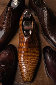 Dean Girling of Gaziano & Girling is here with many new samples of G&G's beautiful, elegant shoes. Drop by to see him anytime before 6pm.