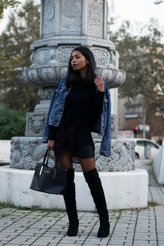 Leather skirts have always been something I find extremely versatile and chic for pretty much every hour of the day. I usually find myself styling leather skirts casually