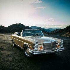 A beautiful timeless classic; The Mercedes-Benz 280SE 3.5 Convertible.