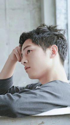 for Top Ten Song Hye Kyo, Asian Actors, Korean Actors, Descendants, Song Joong Ki Cute, Song Joong Ki Birthday, Soon Joong Ki, Decendants Of The Sun, Park Bogum