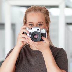 Als beginnende fotograaf heb je het pittig. Fotografie is een moeilijke markt waar veel bij komt kijken. Niet alleen je marketing en website moeten ijzersterk zijn, ook een goede boekhouder is een must. Juist daarom heb ik voor jou een paar tips in de fotografie... #portrait #businesscoach #fotoshoot #marketing #fotografie #marketing #cursus #personalbranding