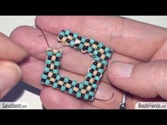 Tutorial perline - Come fare un quadrato CRAW - Quadrato con tecnica Cubic Right Angle Weave - YouTube