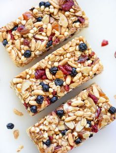 Chewy Almond Butter Power Bars Really nice recipes. Every hour. Healthy Bars, Healthy Treats, Eat Healthy, Power Bars, Energy Bars, Good Food, Yummy Food, Snacks Saludables, Snack Recipes