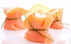 [Spécial Kids👨👩👧👦] 10 recettes pour faire manger du poisson aux enfants ! 🐟   #poisson #recettes #fishandchips #saumon #poissonpané #fishburger #nuggetspoisson #avocatsaumon #lasagnesaumon #quenellespoisson #brandademorue Entree Festive, Fish And Chips, Grapefruit, Cantaloupe, Entrees, Seafood, Salads, Food And Drink, Cooking