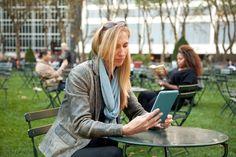 Bibliotecas virtuales que ofrecen obras con derechos caducados, iniciativas de divulgación y recopilaciones que se valen de las licencias abiertas, con espacio para autores inéditos y también consagrados; son una opción para encontrar literatura digital.