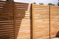HORIZONTAL - Alternating fence boards