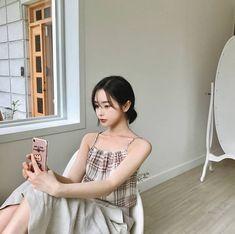 gambar aesthetic, asian, and girl Korean Boys Ulzzang, Cute Korean Boys, Ulzzang Girl, Ulzzang Fashion, Korean Fashion, Korean Photography, Korean People, Kawaii Girl, Asian Woman