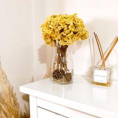#pampas #pampaspeople #homedecor #evdekorasyonfikirleri Dried Flowers, Glass Vase, Collection, Home Decor, Dry Flowers, Homemade Home Decor, Interior Design, Home Interiors, Decoration Home