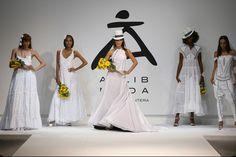Novia Ibicenca...puro estilo Ibiza by Tony Bonet Ibiza, Bridesmaid Dresses, Wedding Dresses, Fashion, Boyfriends, Style, Bridesmade Dresses, Bride Dresses, Moda