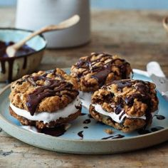 Chocolate-Oatmeal Moon Pies Recipe - Bon Appétit. Great way to enjoy some whole grains with your sweets!