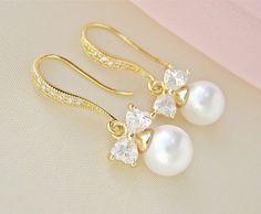 Pearl Bridal Earrings Gold Bridal Earrings White Pearl Wedding Earrings Bridal Pearl Earrings Pearl Bridal Jewelry