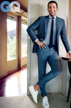Costume + Basketball, the new casual chic? – Men's fashion by egiets Mode Masculine, Sports Illustrated Models, Basket Mode, Casual Chic Style, Mens Suits, Sport Outfits, Mens Fashion, Costumes, How To Wear
