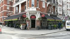 Great looking shop front for the Spaghetti House by Deans Blinds & Awnings using Markilux 990 full cassette awnings