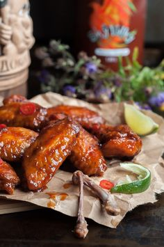 Have you ever cried of joy during a meal? Try these Crispy Honey Sriracha Wings for the best finger licking experience! Chicken Wing Sauces, Crispy Chicken Wings, Chicken Wing Recipes, Chicken Receipe, Chicken Meals, Sriracha Wings, Sriracha Chicken, Different Chicken Recipes, Best Appetizers