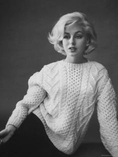 size: Premium Photographic Print: Up Coming Actress Sybil Saulnier Bearing Strong Resemblance to Marilyn Monroe by Paul Schutzer : Entertainment Marilyn Monroe Haircut, Marilyn Monroe Outfits, Marilyn Monroe Photos, Marilyn Monroe Hairstyles, Marilyn Monroe Style, Marilyn Monroe Makeup, Catherine Zeta Jones, Trendy Hairstyles, Bob Hairstyles