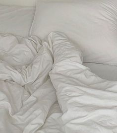 Beige Aesthetic, Mood, White Bedding, Cozy House, My Room, Home Furniture, Relax, Lounge, Comfy