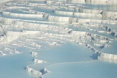 Check out the springs and crazy geological formations at Pamukkale Turkey #travel