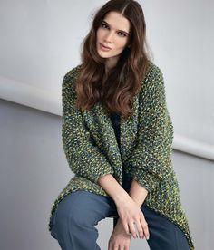 Пестрое пальто - схема вязания спицами. Вяжем Пальто на Verena.ru Knitting Patterns Free, Free Pattern, Free Crochet, Knit Crochet, Crochet Tops, Big Yarn, Yarn Projects, Knit Cardigan, Knitwear