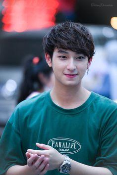 Assumption College, Cute Gay Couples, Thai Drama, Handsome Actors, Wave 3, Cute Boys, Asian Boys, Digital Media, Thailand