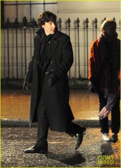 Benedict Cumberbatch: 'Sherlock' Night Scenes! | Benedict Cumberbatch, Sherlock Photos | Just Jared
