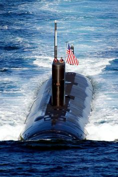 100726-6720T-N-196 EAST SEA (July 26, 2010) The Los Angeles-class attack submarine USS Tuscon (SSN 770) transits the East Sea while leading ...