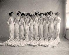 Early 1900s women
