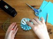 Videoanleitung: Papierschachtel basteln mit Kleber und Schere - BRIGITTE
