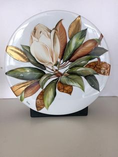 If you are looking for a cheap and creative way to add color and life into your interior, then look no further than ceramic plates. Rather than turning to expensive art pieces and portraits, you ca… Painted Plates, Ceramic Plates, Plates On Wall, China Painting, Ceramic Painting, Expensive Art, Easy Paintings, Pictures To Paint, Decorative Bowls