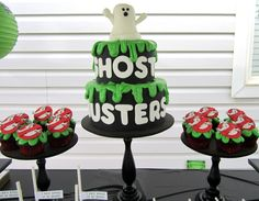 Ghosbusters/80s Theme: Cake & cupcakes