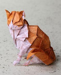 Gato hecho con origami.