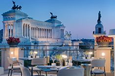 #5StarHotelsInCentralRomeItaly: NH Collection Roma Fori Imperiali, overlooking the Roman Forum, offers parking, airport shuttle, restaurant, bar, free WiFi... Rooftop Restaurant, Restaurant Owner, Restaurant Design, Outdoor Seating, Outdoor Dining, Nyc Projects, York Restaurants, News Health, New Things To Learn