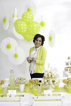 Birds Party Blog: In The Spotlight: Interview with Darcy Miller + Stunning Daisy Party Ideas!