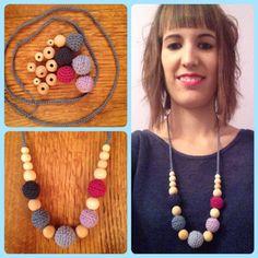 """Collar de porteo y lactancia """"Bolas Azules-Moradas"""" - breastfeeding necklace - http://www.portakanguritos.com/portakanguritos/5263635/collar-lactancia-y-porteo-%26quot%3Bbolas-azules-morados%26quot%3B.html"""